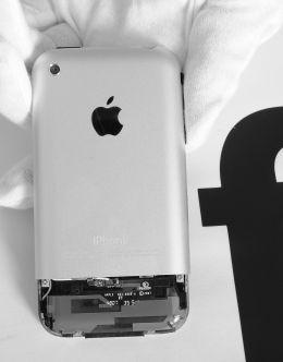 iPhone 1 в разобранном виде