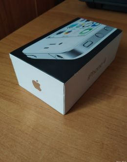 Коробка и комплектация iPhone 4