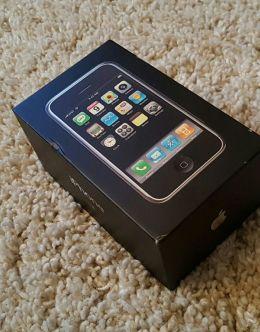 Каробка и комплектация первого iPhone